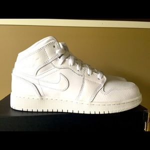 Kids Air Jordan 1 Mid Triple White GS size 6y
